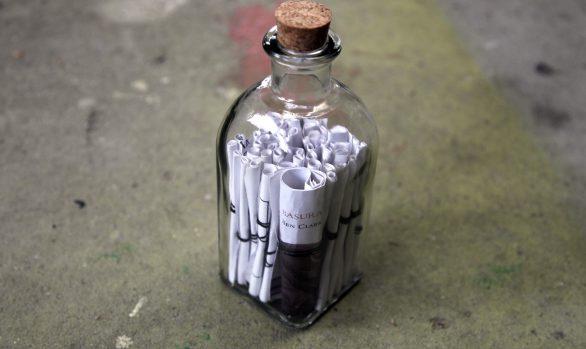 "Libro-botella ""Basura"""